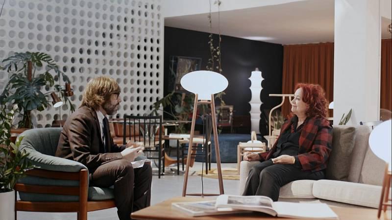 Entrevista d'Òscar Dalmau a Pilar Villuenda Andrés al capítol d''Helvètica' dedicat al disseny institucional