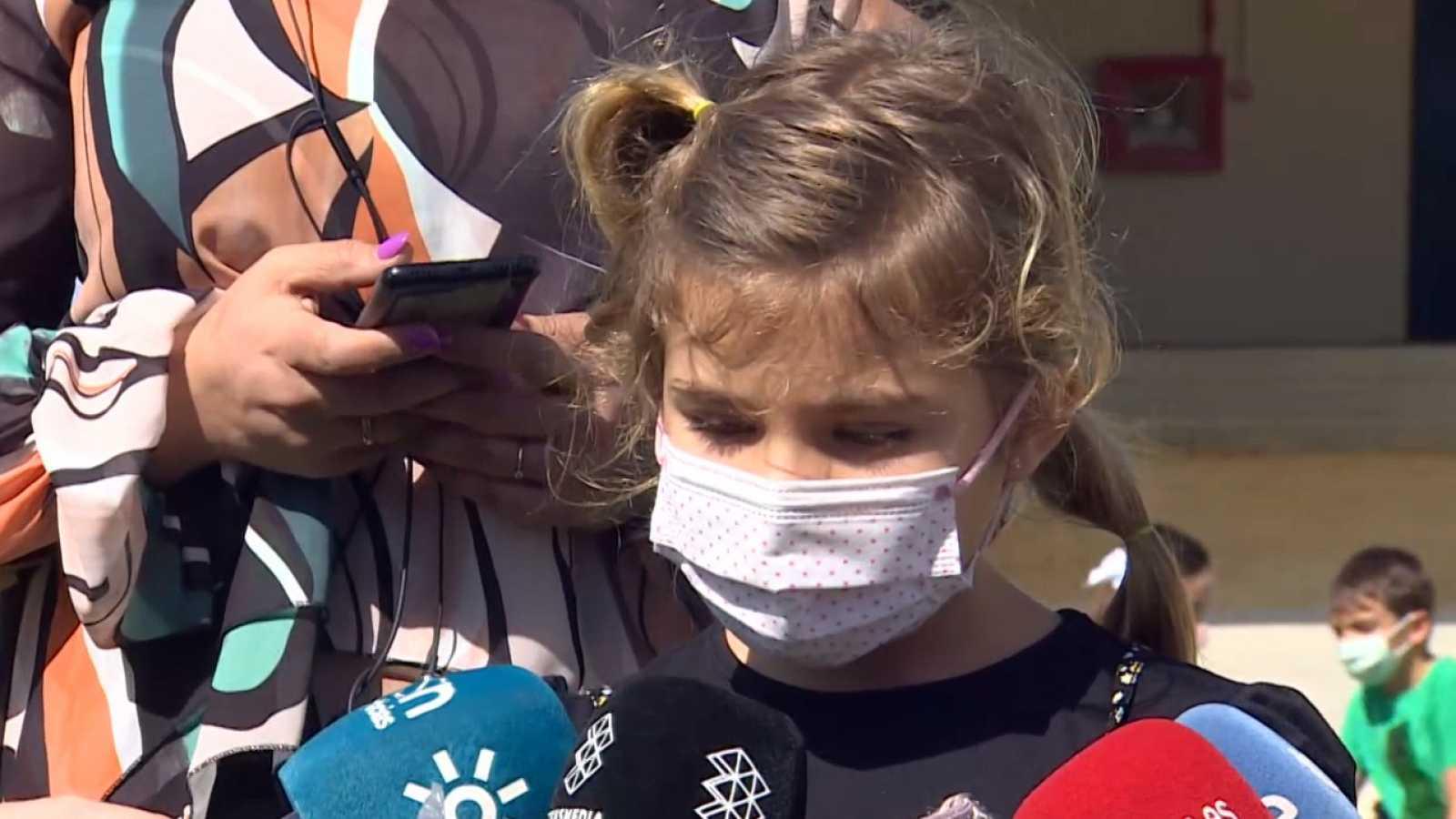 Una niña sevillana de 7 años salva la vida a su madre llamando a emergencias