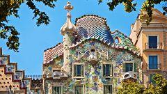 España Directo - La Casa Batlló diseñada por Gaudí es más que un edificio: esconde la leyenda de Sant Jordi