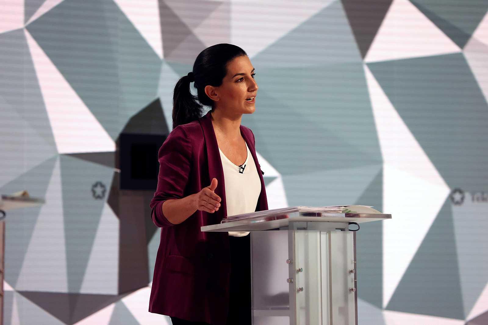 """Monasterio insiste en criminalizar a los 'menas' e Iglesias le acusa de """"indecente"""" y difundir """"propaganda filonazi"""""""