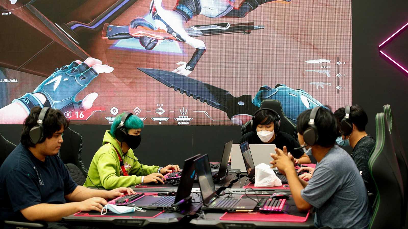 Los videojuegos con sistemas de apuestas pueden suponer una entrada a la adicción al juego
