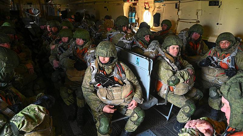 Rusia anuncia la retirada de sus tropas en la zona fronteriza con Ucrania