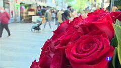 Ambient festiu a Catalunya en la Diada de Sant Jordi