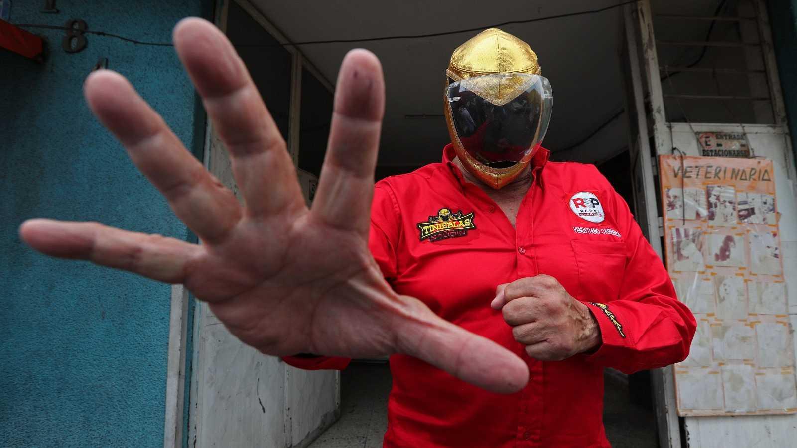 México elige a más de 20.000 cargos públicos con extravagantes candidaturas como la del 'Tinieblas'