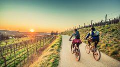 España Directo - El refugio de los ciclistas, en la Sierra de Madrid: así es el turimo de bici