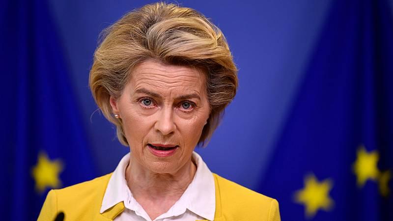 """La presidenta de la Comisión Europea ha rechazado el trato que recibió en Turquía: """"Me sentí sola como mujer y europea"""""""
