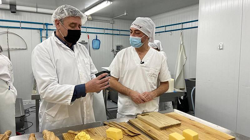 Aquí la Tierra - Ramón Arangüena nos enseña a elaborar mantequilla
