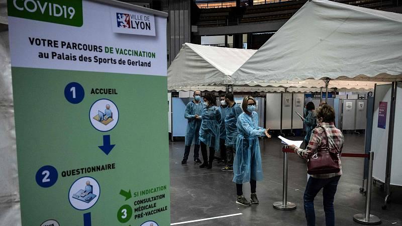 Francia comenzará a vacunar en junio a todos los mayores de 18 años