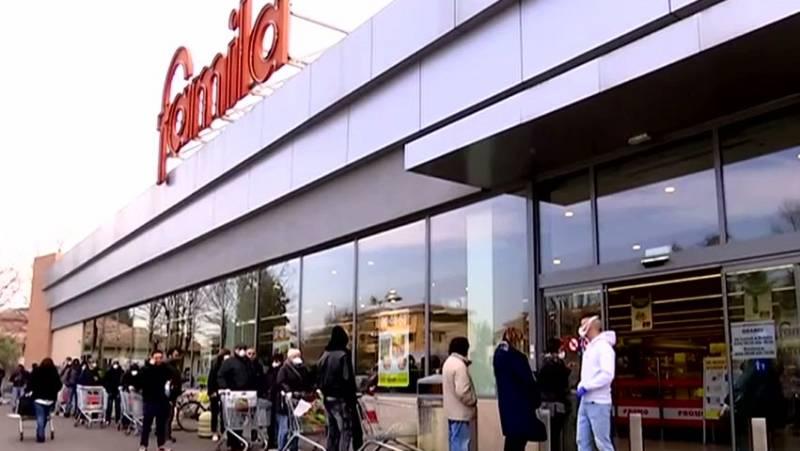 Italia cierra 12 supermercados tras hallar restos de coronavirus