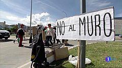 Protesta contra el muro de la vía ferroviaria que atravesará Navalmoral de la Mata