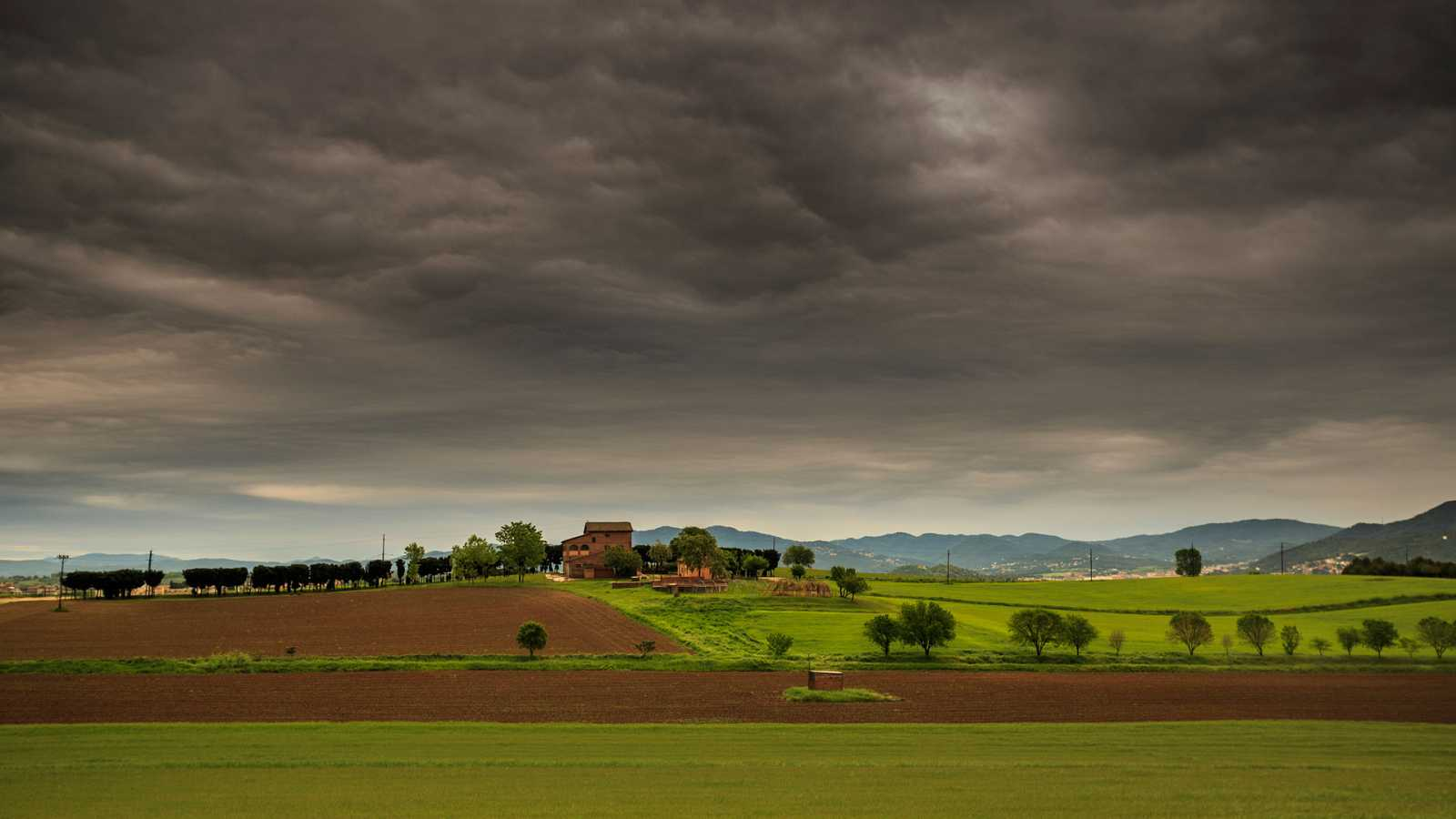 Probabilidad de chubascos localmente fuertes en Cataluña e interior de la Comunidad Valenciana - Ver ahora
