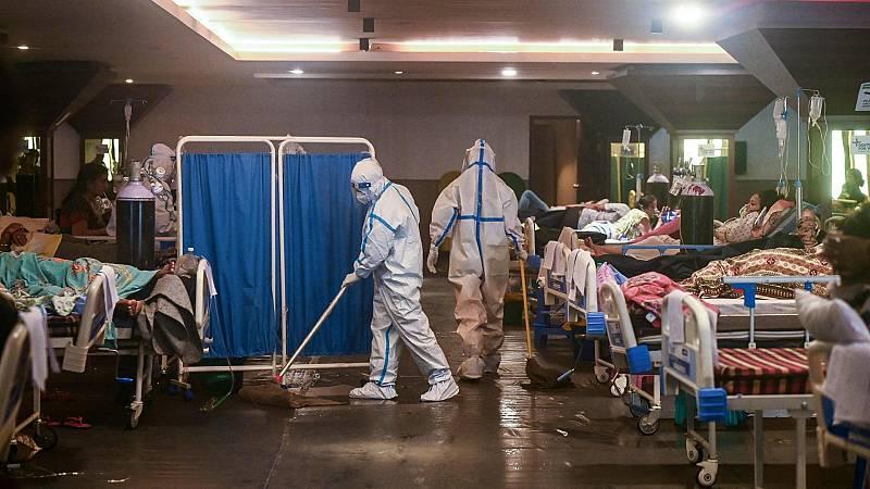 India supera por primera vez los 400.000 nuevos contagios por coronavirus