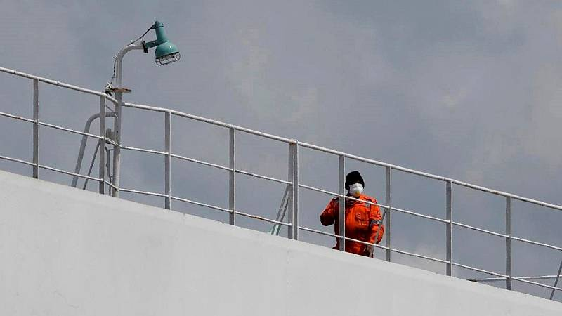 Detectados tres casos de la variante india en un carguero de Vigo