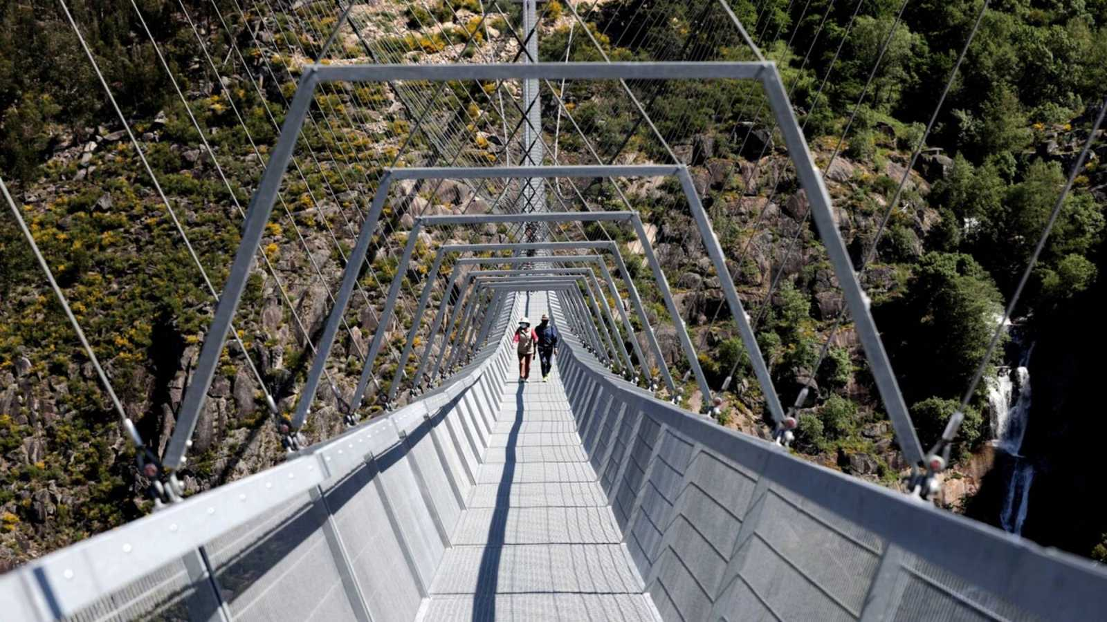 Portugal inaugura el puente colgante peatonal más largo del mundo