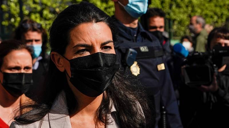 Rocío Monasterio vota en un colegio de la capital