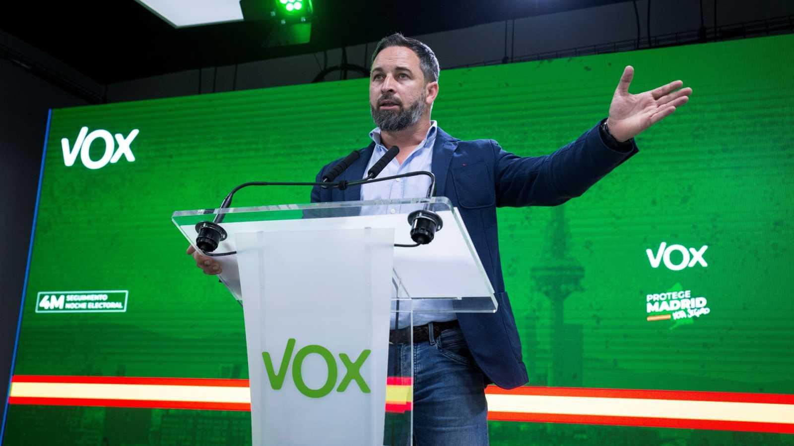 Abascal anuncia el voto a favor de Vox a la investidura de Ayuso