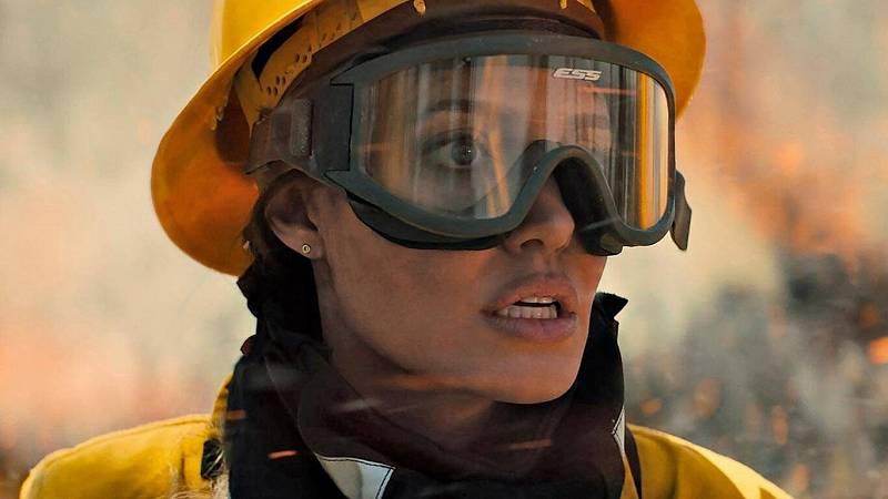 Angelina Jolie se mete en la piel de una bombera en su nueva película