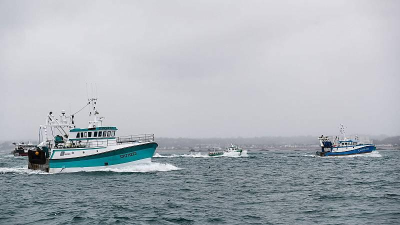 Francia y Reino Unido envían buques a la isla de Jersey por nuevas tensiones tras el Brexit