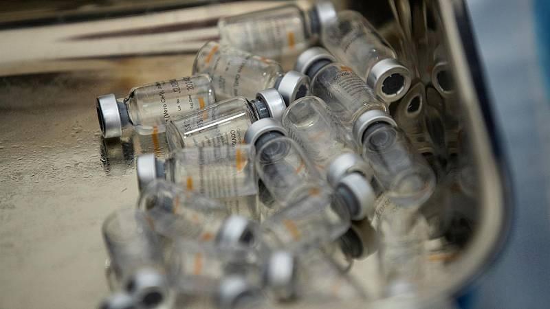 La farmacovigilancia sigue activa mientras se inocula medio millón de dosis al día