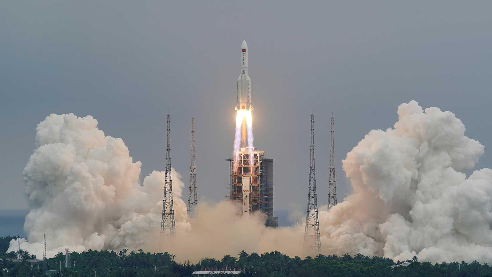 Madrid, Nueva York o Sidney, en alerta por la caída del cohete chino que orbita de forma descontralada sobre la Tierra