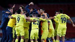 Los cánticos de celebración de los jugadores del Villarreal tras clasificarse para su primera final