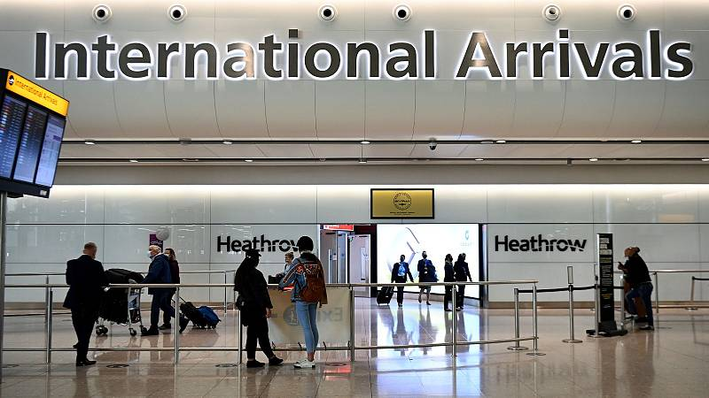 """España se queda en """"ámbar"""" en el semáforo de viajes de Reino Unido"""