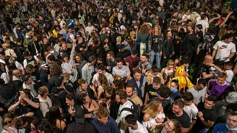 Aglomeraciones y fiestas en las principales ciudades tras el fin del estado de alarma