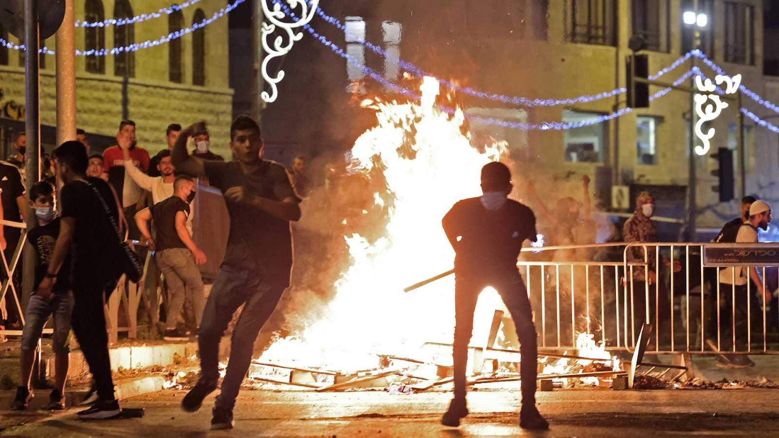 Una nueva noche de enfrentamientos en Jerusalén deja más de 90 heridos