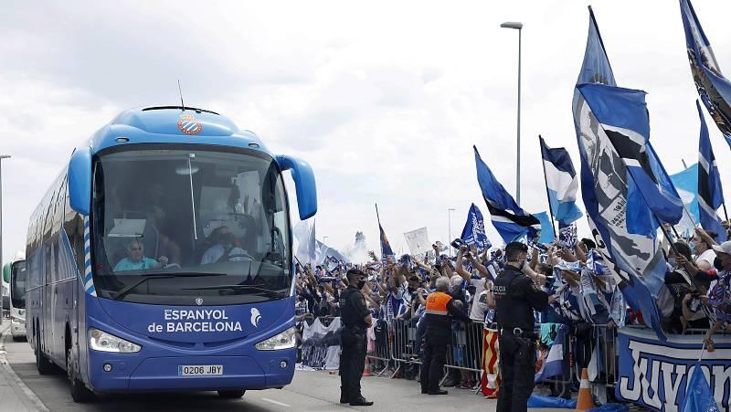 El Espanyol celebra el ascenso con sus seguidores
