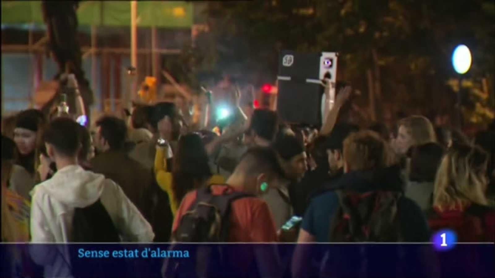 Preocupació per les trobades massives al carrer sense complir les normes