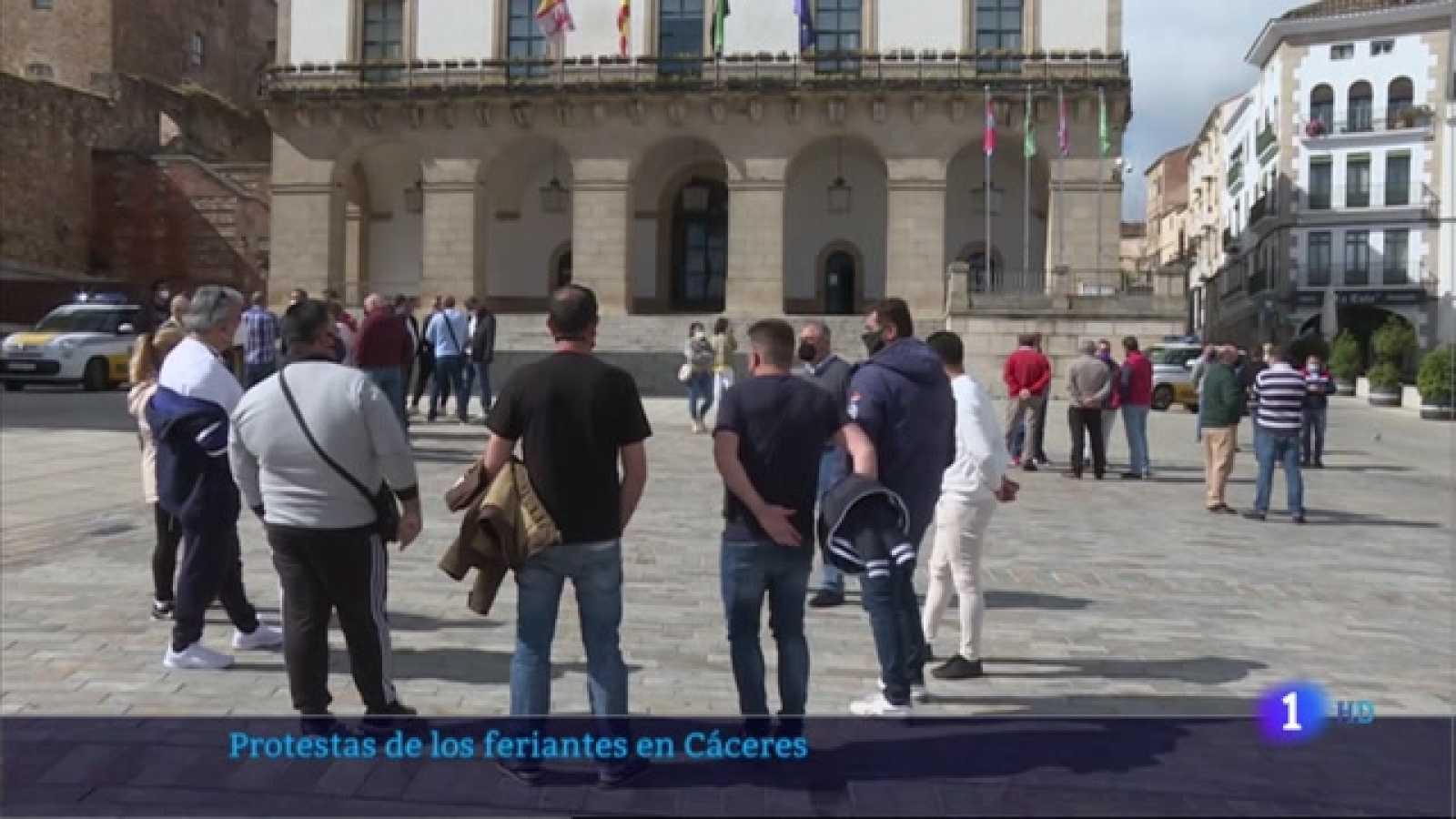 Protestas de los feriantes en Cáceres - 10/05/2021