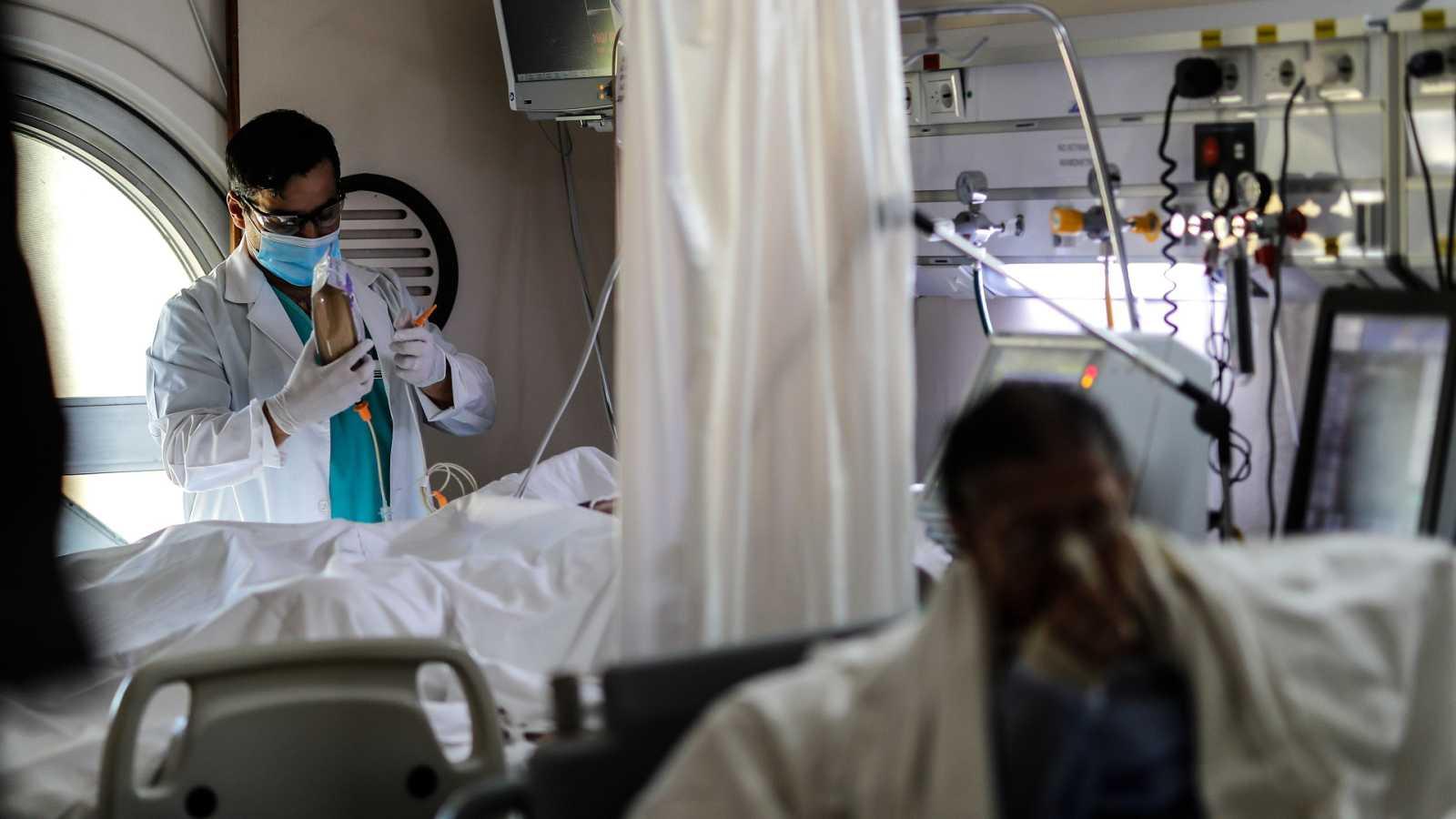 """Fernando Simón: """"Lo que hemos visto ha tenido que ser muy duro para los sanitarios"""""""