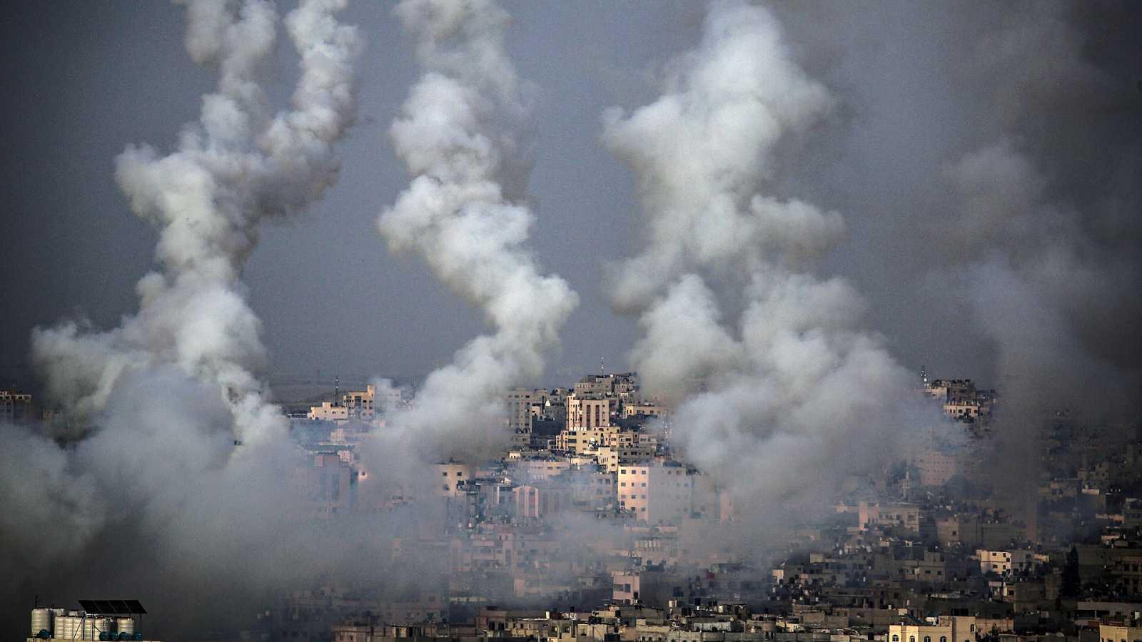 Decenas de muertos en Gaza tras un bombardeo de Israel en represalia a los cohetes lanzados por Hamás en Jerusalén