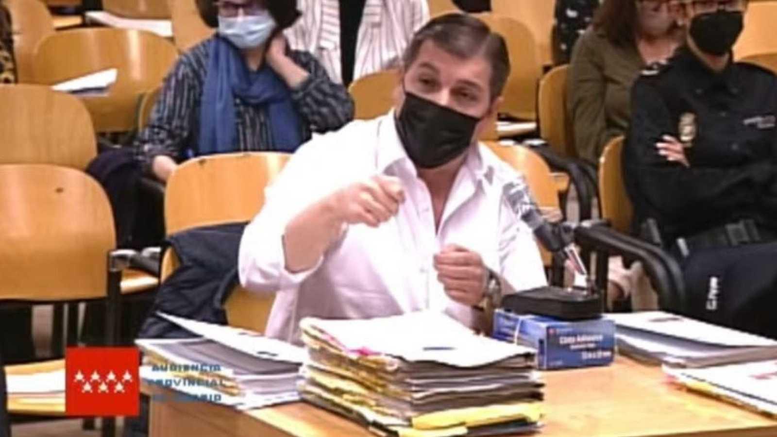 El 'Rey del Cachopo' niega en el juicio que matara a su expareja