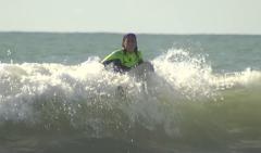 En Lengua de Signos - Mayte, una surfista sin límites