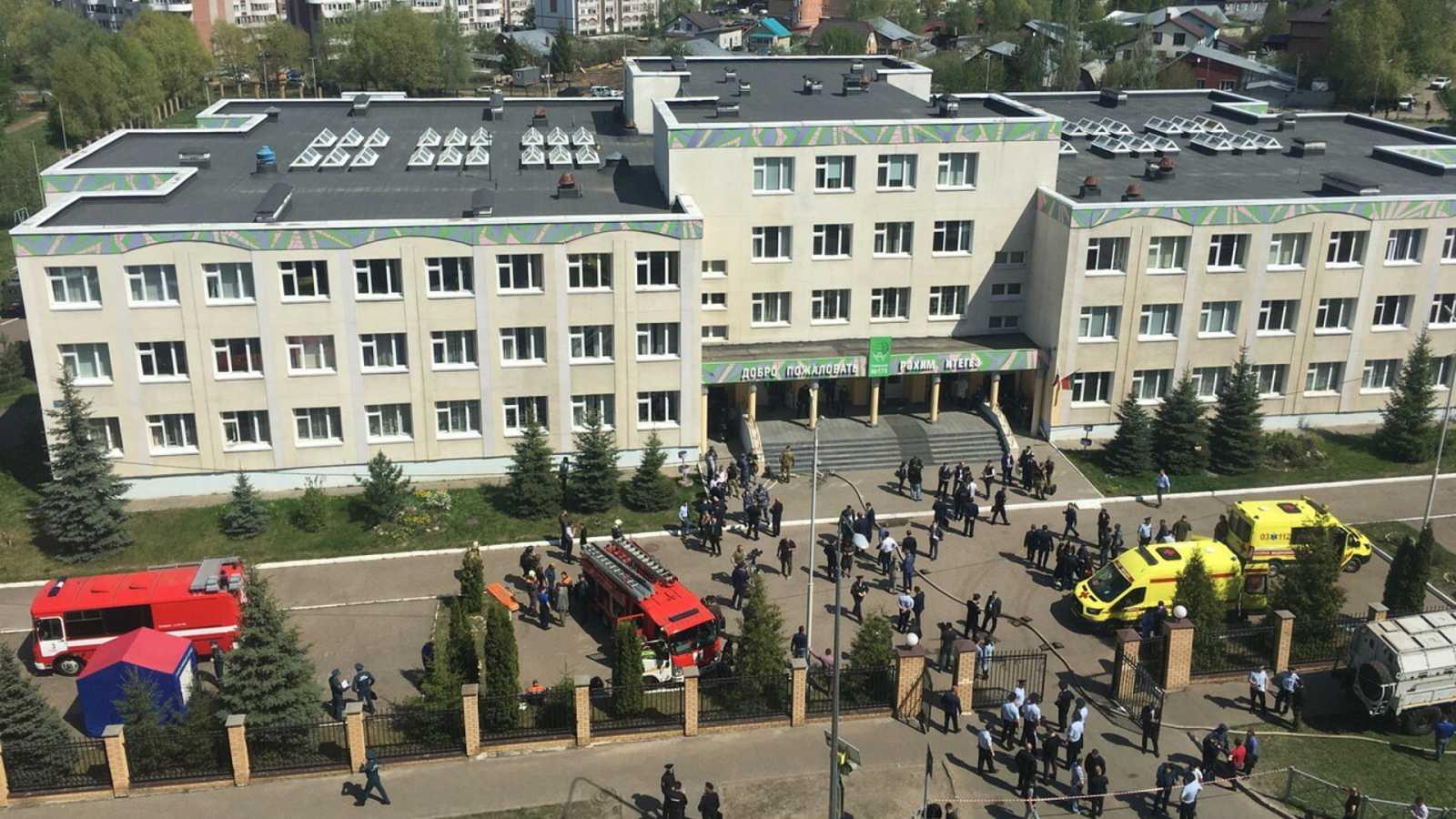Mueren siete menores en un tiroteo en una escuela en Rusia