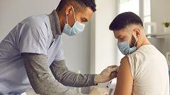 El Hospital 12 de Octubre de Madrid comienza un ensayo clínico para probar las vacunas de Pfizer y Janssen en jóvenes