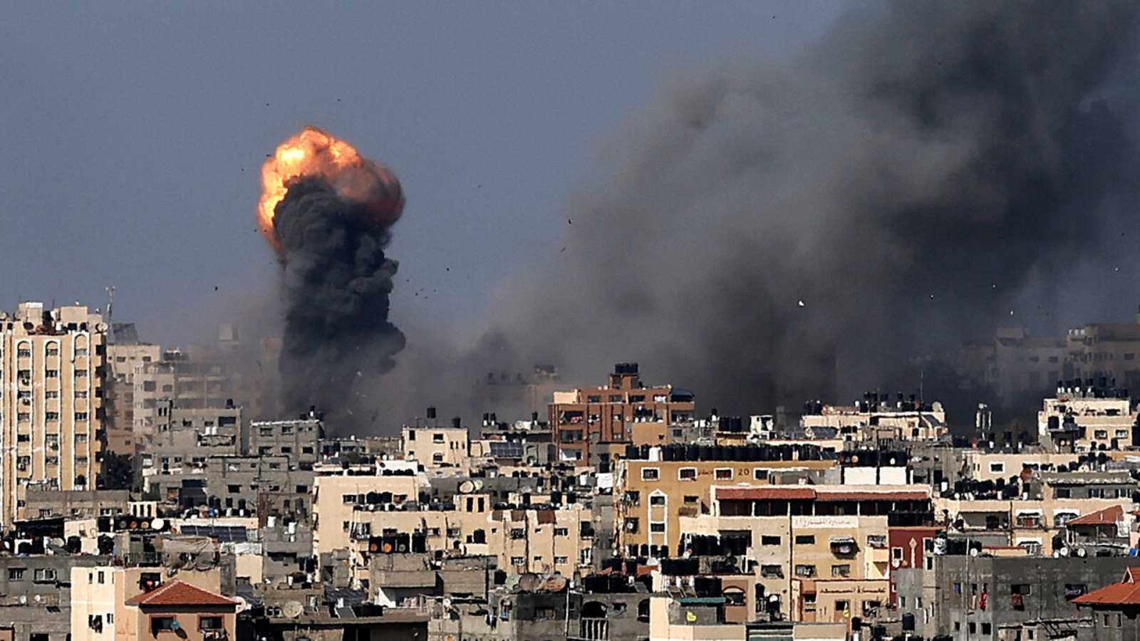 Israel y Hamás intensifican su enfrentamiento mientras los árabes-israelíes provocan disturbios