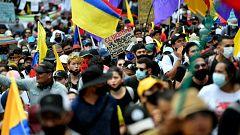 Miles de manifestantes piden la dimisión del presidente de Colombia