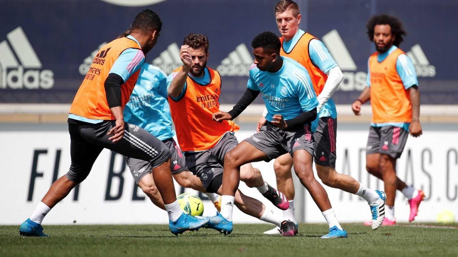 El Madrid afronta en duelo ante el Granada sin Marcelo