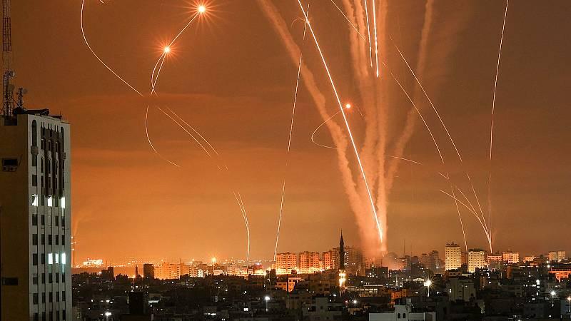 El Ejército israelí intensifica los bombardeos desde tierra y aire sobre la Franja de Gaza