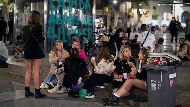 Desalojadas más de 7.000 personas en diversos botellones de Barcelona