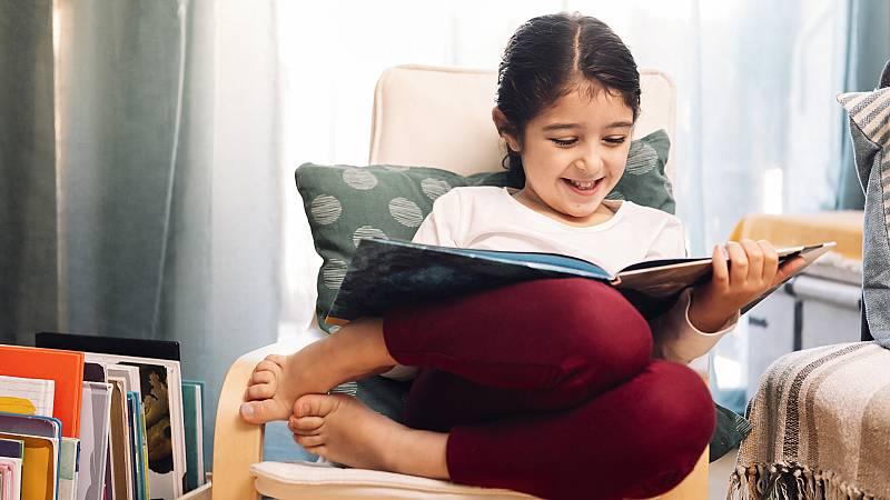 Los niños que leen en papel entienden mejor y disfrutan más la lectura