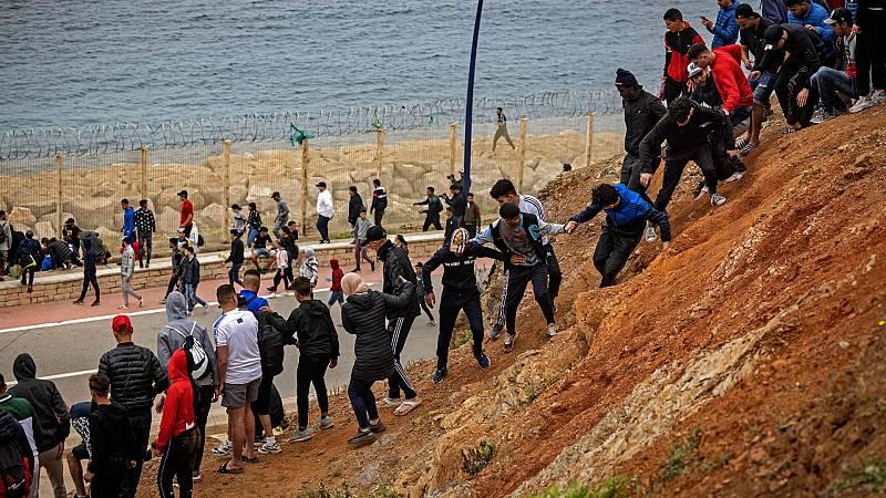 """Marlaska: """"Se han devuelto 2.700 de los inmigrantes que han entrado en Ceuta"""""""