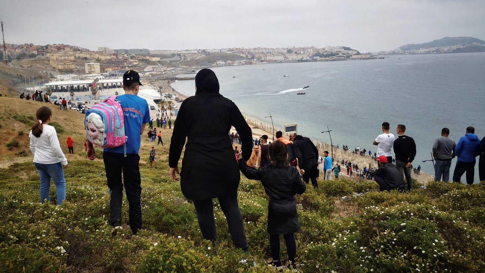 Pasividad policial en Marruecos ante la avalancha de migrantes hacia España