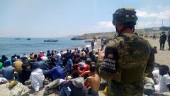 Marlaska avanza que han sido devueltos 2.700 migrantes de los que han llegado a Ceuta en las últimas horas
