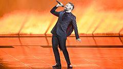 "Eurovisión 2021 - Macedonia del Norte: Vasil canta ""Here I stand"" en la primera semifinal"