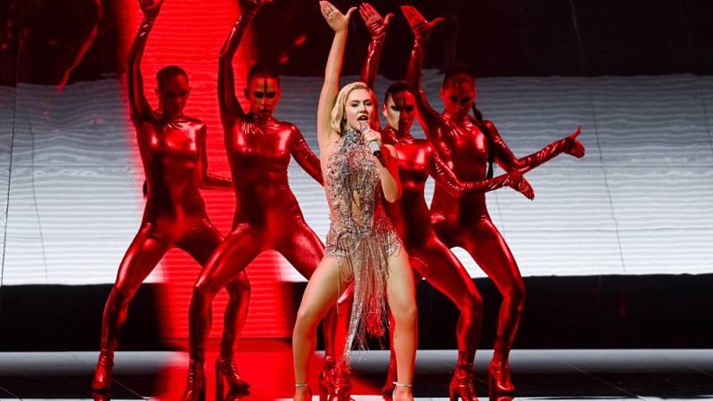 """Eurovisión 2021 - Chipre: Elena Tsagrinou canta """"El Diablo"""" en la primera semifinal"""