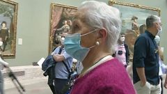 Día de los Museos: la emoción de Josefa al ver 'Las Meninas' por primera vez a los 92 años