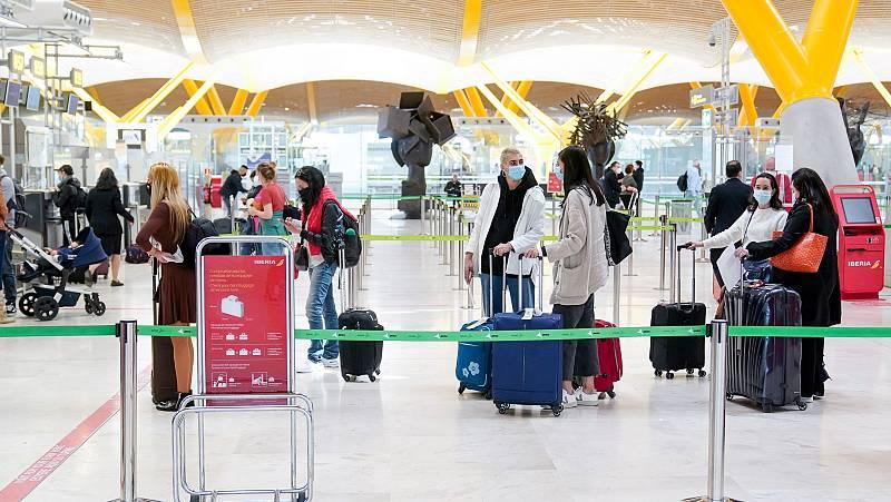 España abre sus fronteras a Reino Unido y Japón y a turistas vacunados